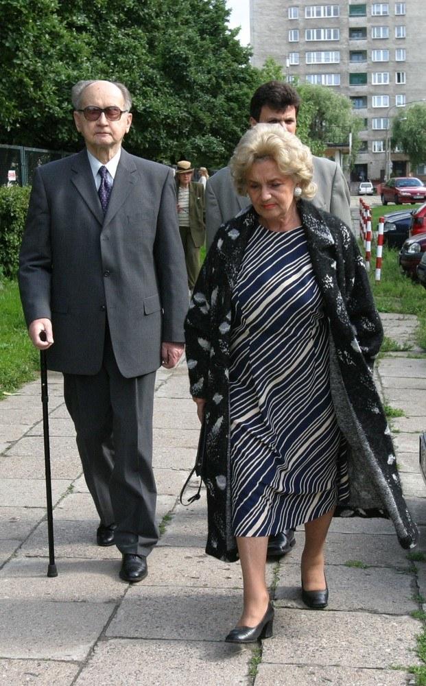 Wojciech Jaruzelski z żoną Barbarą /Macierzyński /Reporter