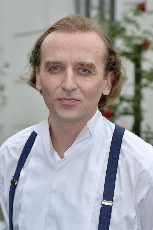 """Wojciech Mecwaldowski na planie serialu """"Czas honoru"""" /AKPA"""