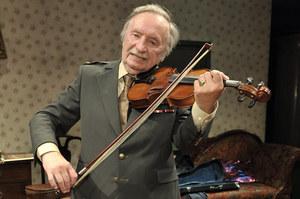 Wojciech Pokora marzył o graniu na skrzypcach - na scenie tylko markuje. /  /AKPA