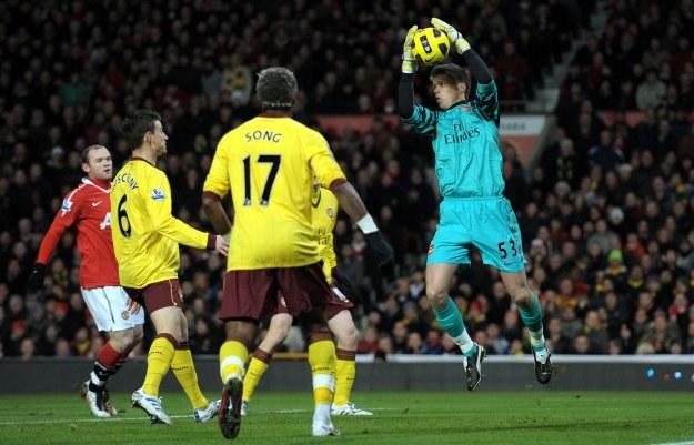 Wojciech Szczęsny jak na 20-latka w meczu z Man Utd spisywał się bardzo dobrze /AFP