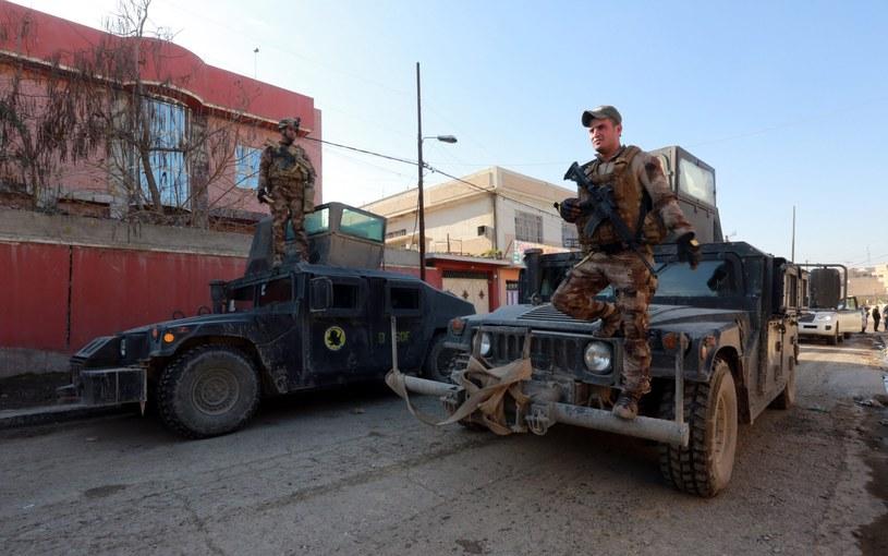 Wojsko odbiło z rąk IS kolejne rejony Mosulu /PAP/EPA