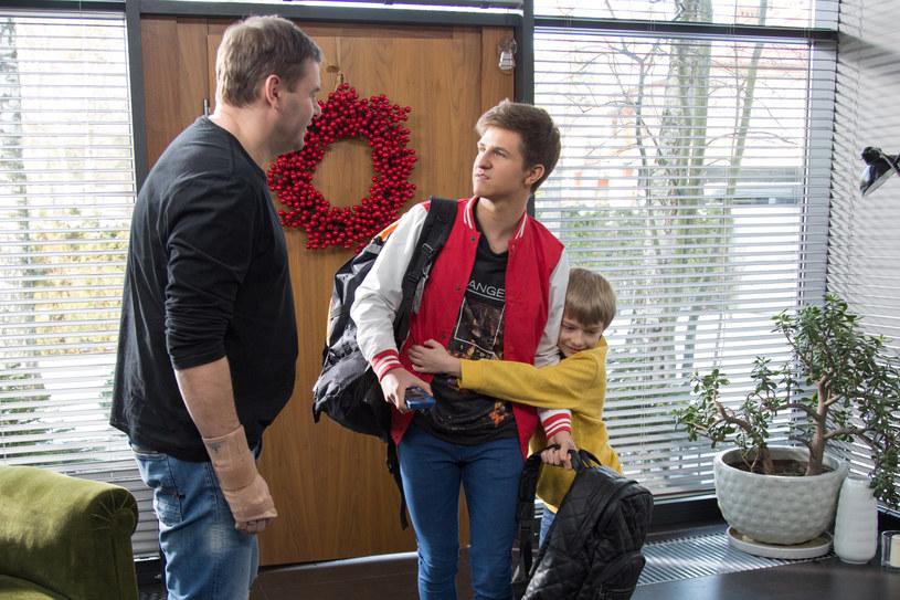 Wojtek powie Dorocie, że ich starszy syn jest gejem. /x-news/ Agnieszka K. Jurek /TVN