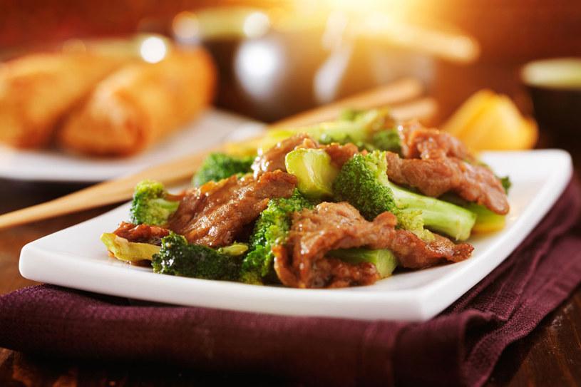 Wołowina po chińsku /©123RF/PICSEL