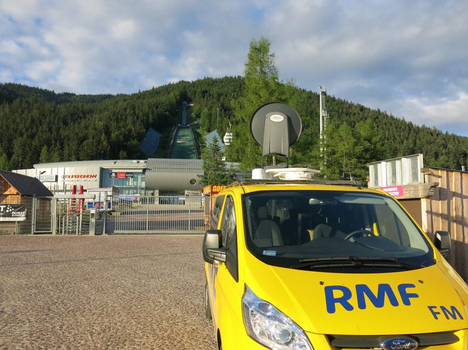 Wóz satelitarny RMF FM pod Wielką Krokwią /Jacek Skóra /RMF FM