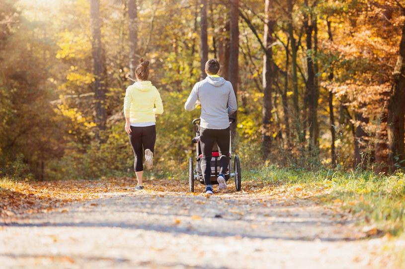 Wózek sportowy to idealna opcja dla aktywnych rodziców /123RF/PICSEL