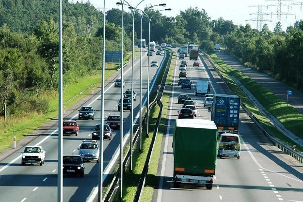Wpuszczać duże ciężarówki do miast? / Fot: Łukasz Ostalski /Reporter