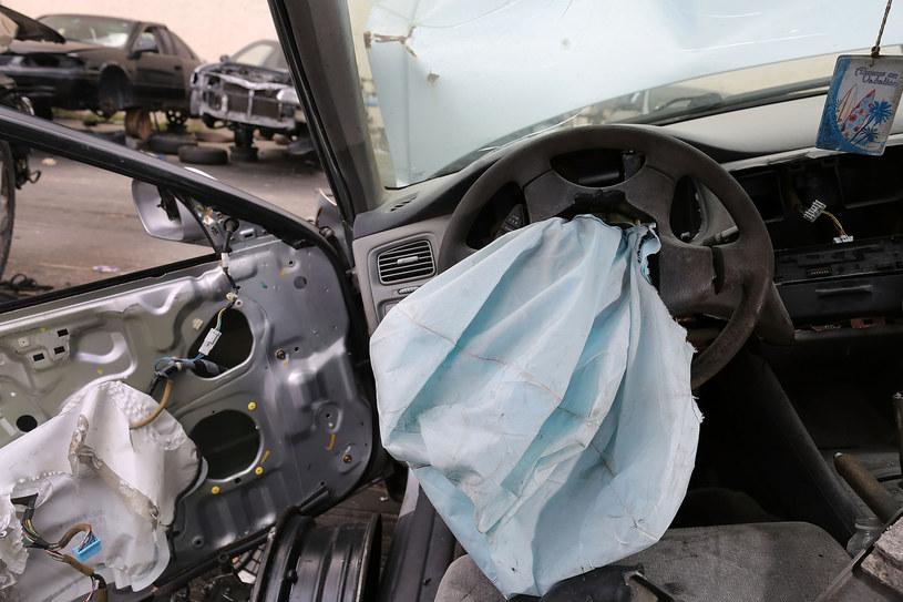Wrak auta, w którym zamontowano poduszkę i inflator Takaty /AFP
