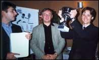Wręczenie nagród: Maciej Maciantowicz (MM Sport), Janusz Filipiak i Tomasz Trenzinger - z pucharem /INTERIA.PL