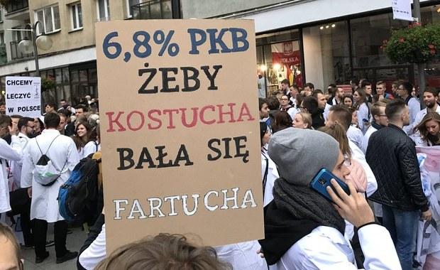Wrocław: Marsz poparcia dla protestu lekarzy rezydentów