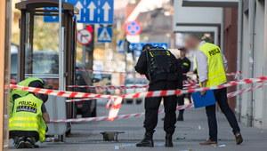 Wrocław: Po eksplozji na przystanku dodatkowych 400 policjantów skierowanych do miasta