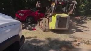 Wściekły ojciec za karę zdemolował auto córki