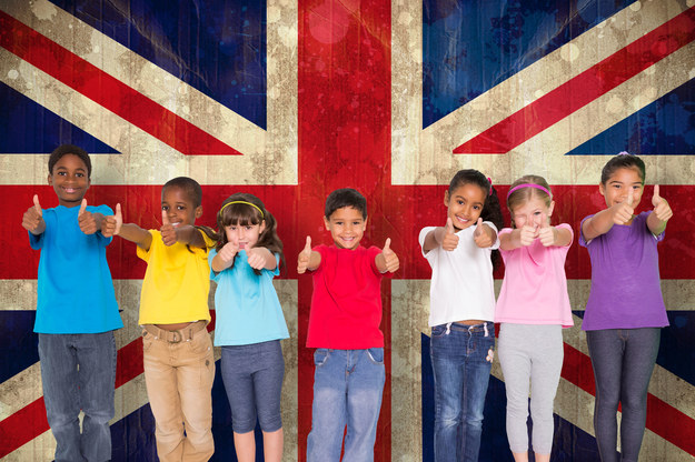 Wsparcie finansowe w postaci zasiłków na dzieci skutecznie redukuje poziom ubóstwa wśród najmłodszych w Wielkiej Brytanii /123RF/PICSEL