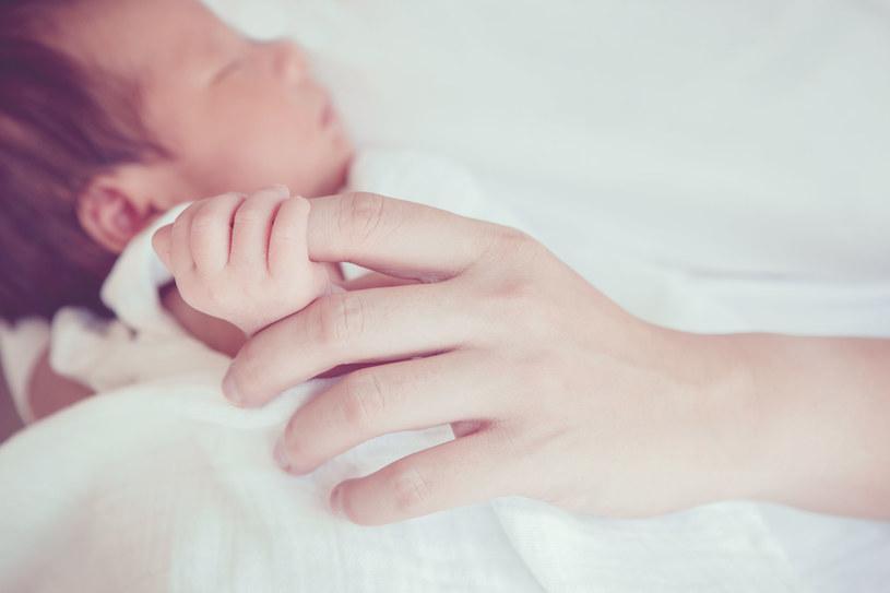 Współczesna medycyna ratuje noworodki, które wcześniej nie miały szans na przeżycie /©123RF/PICSEL