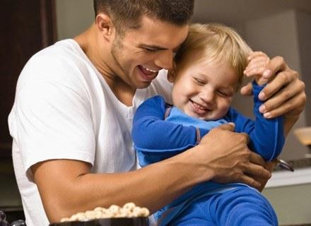 Wspólnie spędzony czas z dzieckiem to świetny moment na poznanie siebie wzajemnie. /ThetaXstock