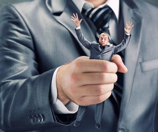 """Wśród małych i średnich prywatnych firm polskich najwięcej jest paternalistycznych postaw w stylu """"najlepszym reprezentantem interesu pracownika jest jego pracodawca"""" /123RF/PICSEL"""