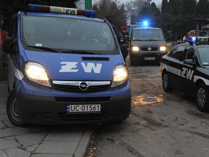 Wśród podejrzanych są także cywile /Grzegorz Jakubowski /PAP