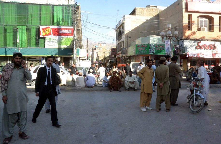Wstrząsy odczuto także w Karaczi /Rehan Khan /PAP/EPA