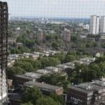 Wstrzymano sprzedaż paneli, które zastosowano w Grenfell Tower