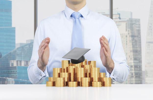 Wszystkie staże dla absolwentów będą płatne /123RF/PICSEL