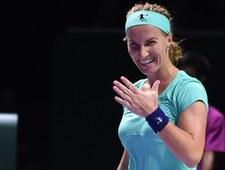 WTA Finals: Agnieszka Radwańska - Swietłana Kuzniecowa 5:7, 6:1, 5:7. Rosjanka obcięła sobie warkocz