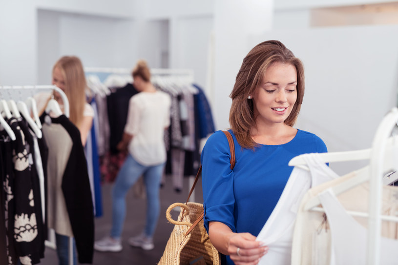 Wybieraj fasony ubrań, które podkreślą atuty twojej sylwetki i zatuszują to, co nie zawsze chcesz pokazywać światu! /©123RF/PICSEL