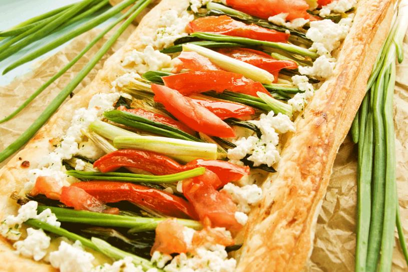 Wybierz swoje ulubione warzywa i dodaj do tarty /123RF/PICSEL