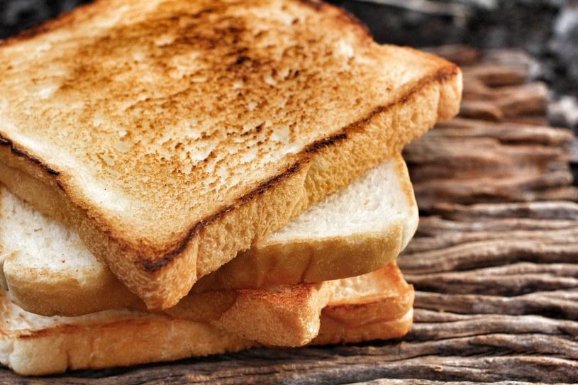 Wybierzmy chleb z zawartością mąki żytniej, ziaren czy otrąb i z jak najkrótszą listą składników /123RF/PICSEL