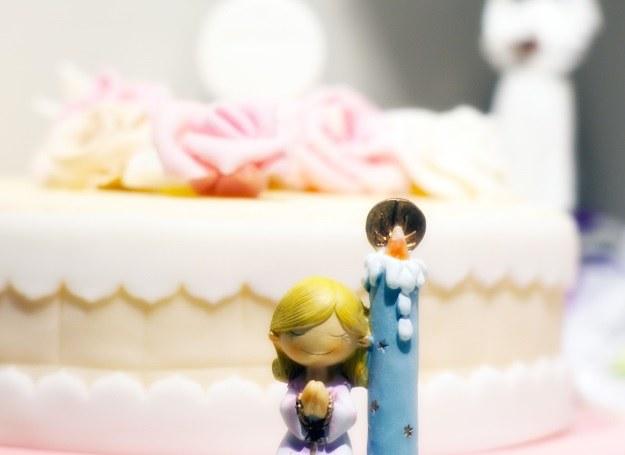 Wybór komunijnych tortów jest ogromny - każdy rodzic znajdzie coś dla siebie /123RF/PICSEL