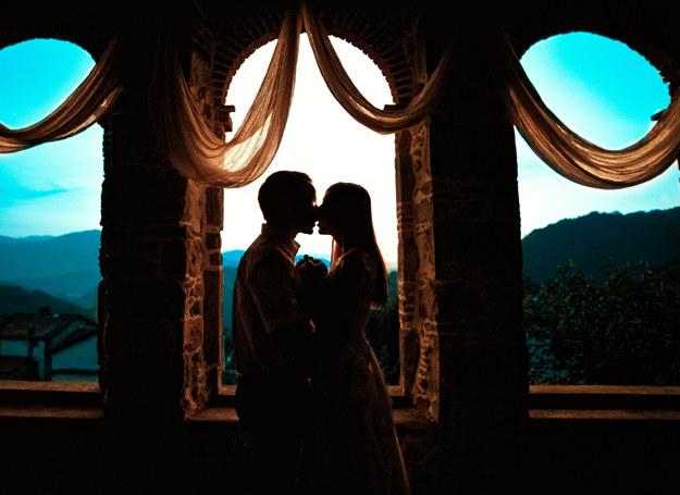 Wybór miejsca na wesele jest bardzo ważny /Piotr Wójcik /Magazyn Wesele