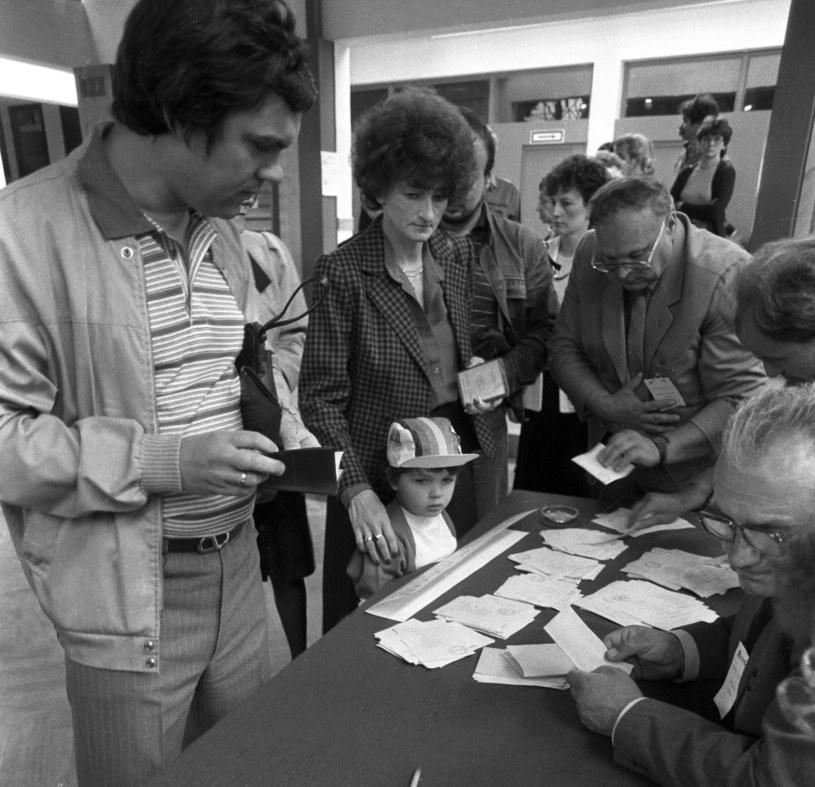 Wybory do Sejmu i Senatu, Warszawa, 04.06.1989 /Aleksander Jalosiński /Agencja FORUM