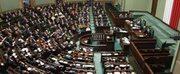 Rządząca koalicja PO – PSL będzie miała większość w nowym Sejmie: wprowadzą razem 236 posłów – wynika z danych podanych przez PKW. Zostały one opracowane na podstawie wyników z 93 proc. komisji.