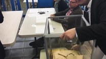 Wybory we Francji: Coraz więcej lokali wyborczych zamkniętych, rozpoczyna się liczenie głosów