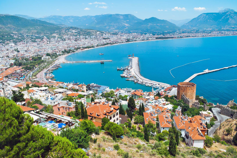 Wybrzeże Turcji licznie odwiedzają Polacy. Trudno się dziwić, Turcy są bardzo gościnni, a ich kraj po prostu przepiękny! /123RF/PICSEL