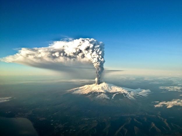 Wybuch wulkanu Etna /123/RF PICSEL