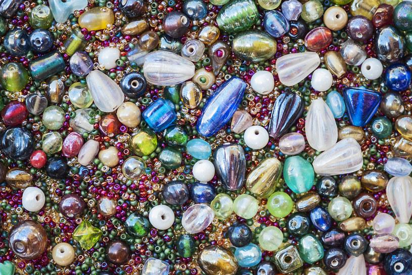 Wyczarujesz z nich niezwykłą biżuterię /123RF/PICSEL