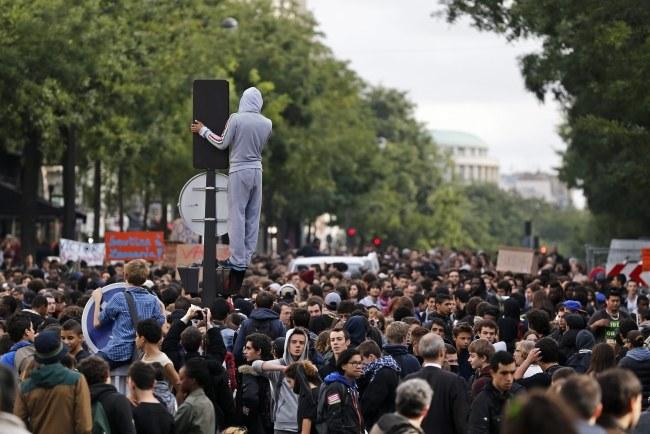 Wydalenie 15-latki spowodowało masowe protesty licealistów. /YOAN VALAT  /PAP/EPA