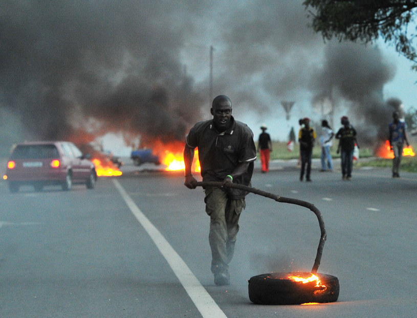 Wyjazd misjonarzy może doprowadzić do pogromu /AFP