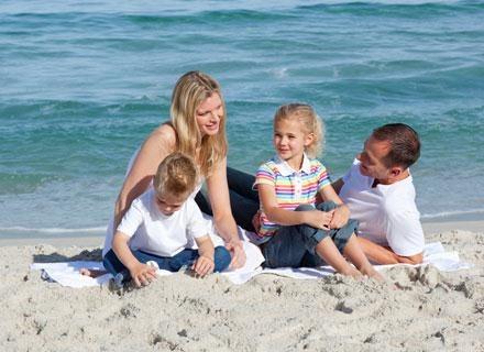 Wyjazd na wakacje jest ważnym elementem leczenia każdego dziecka alergicznego /© Panthermedia