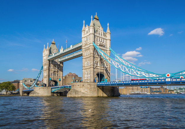 Wyjeżdżający Polacy chętnie wybierają Londyn /123RF/PICSEL
