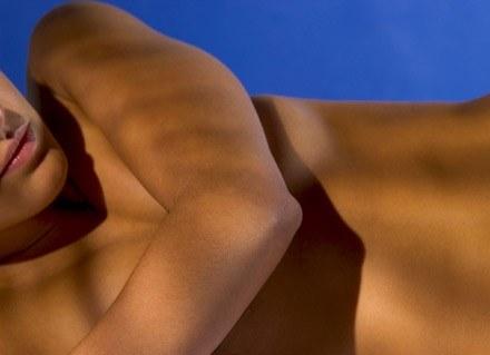 Wymioty i mdłości dotykają aż 70 procent kobiet w ciąży. /ThetaXstock