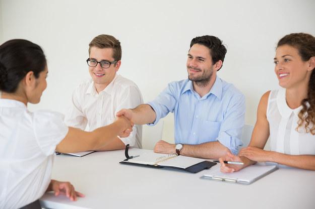 Wynik rekrutacji może wpływać na decyzje zakupowe /123RF/PICSEL