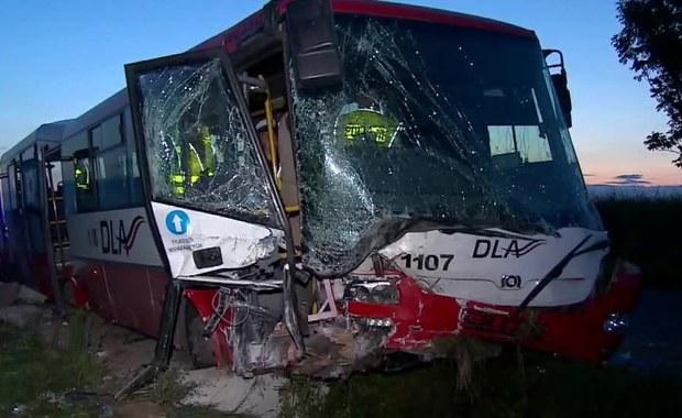Wypadek autobusu na Dolnym Śląsku. Powodem mogła być awaria układu kierowniczego