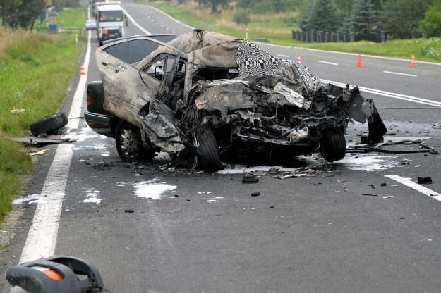 Wypadek w Nowosielcach. Kierowca mercedesa zginął na miejscu /PAP