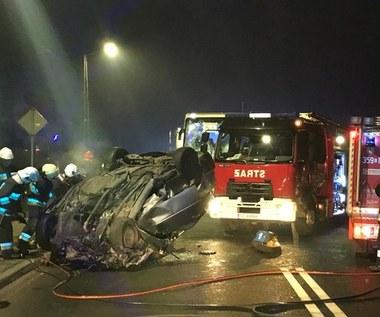 Wypadek w Śląskiem: Dwie osoby zginęły, 13 rannych