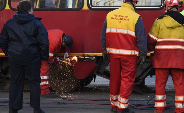 Wypadek w stolicy. Auto zderzyło się z tramwajem