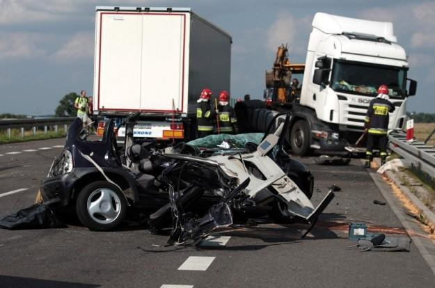 Wypadek z udziałem tira zwykle kończy się tragicznie / Fot: Jakub Orzechowski /Agencja SE/East News