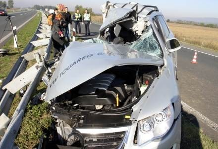 Wypadki drogowe kosztują budżet UE 160 mld euro rocznie /AFP