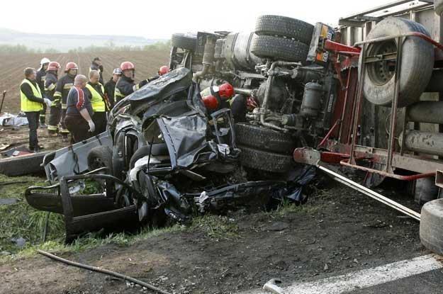 Wypadki z udziałem tirów kończą się tragicznie /PAP