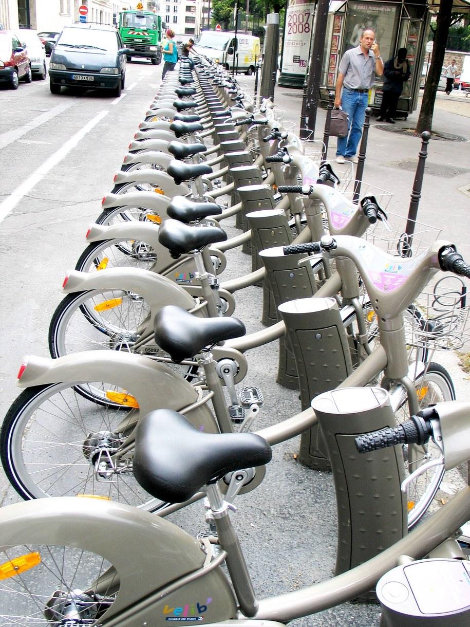 Wypożyczalnia rowerów w Paryżu /Marek Gładysz /RMF FM