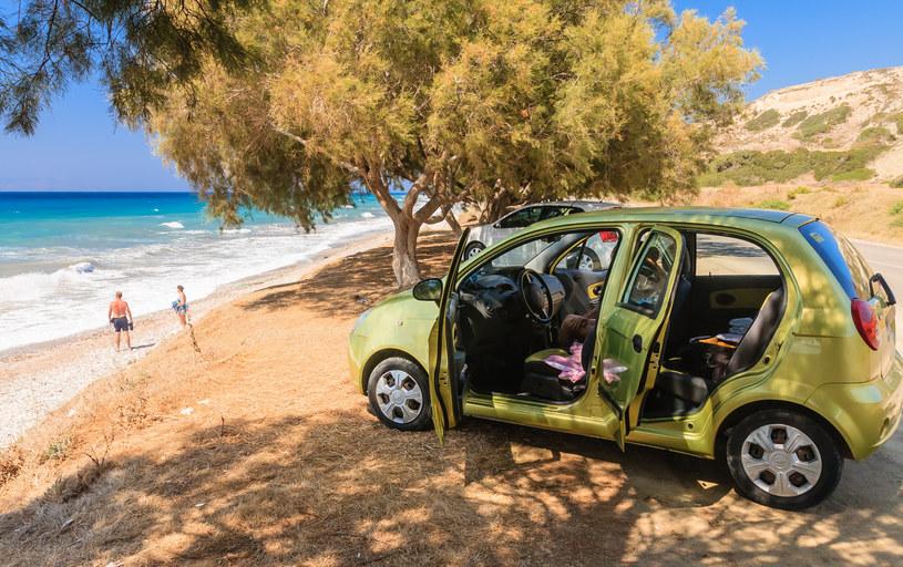 Wypożyczenie samochodu to wygodny sposób na zwiedzanie wyspy /123/RF PICSEL